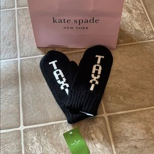 Kate Spade Taxi mittens NWT